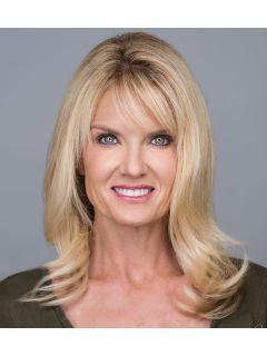 Nikkie Miller of CENTURY 21 Arizona West