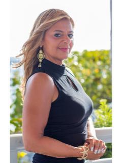 Stacy Harris of CENTURY 21 Aztec & Associates
