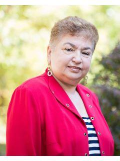 Kira Rozman of CENTURY 21 Country Lake Homes