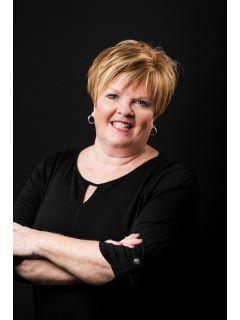 Susan Vannis of CENTURY 21 Champion Real Estate, Inc.
