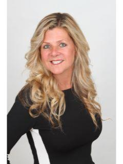 Cindy Berg - Team Vision of CENTURY 21 Discovery photo