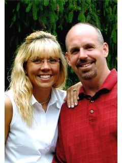 Dwight and Tiffney Belcher of CENTURY 21 Home Team Realty