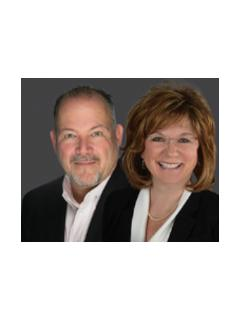 Chantal and Bob O'Meara Real Estate Team of CENTURY 21 AllPoints Realty