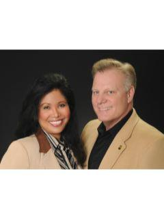 Peter and Lourdes Gottuso of CENTURY 21 Experience