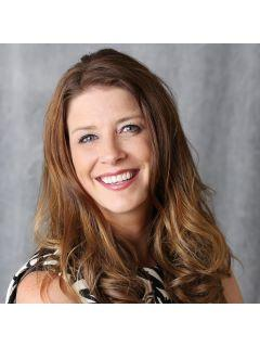 Nicole McGlothlin of CENTURY 21 Signature Real Estate