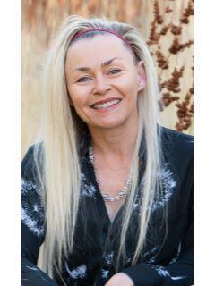 Evette Ashton of CENTURY 21 Everest
