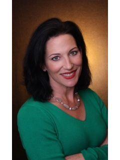 Danielle Cummings of CENTURY 21 Elite