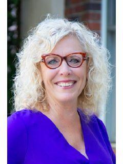 Teresa Larson of CENTURY 21 Select Real Estate, Inc.