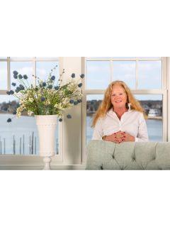 Patty Sperber of CENTURY 21 North East