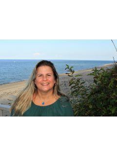 Melissa Larson of CENTURY 21 North East