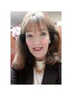 Holly Gross of CENTURY 21 Affiliated