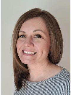 Lyndsie Cook of CENTURY 21 Signature Realty
