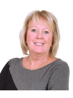 Lynette Crose of CENTURY 21 Affiliated