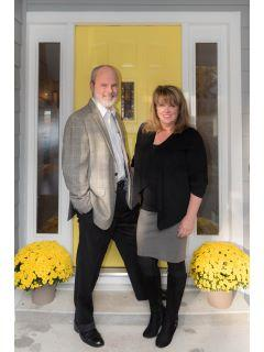 LeeAnn Maxwell of CENTURY 21 Connect Realty