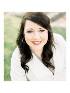 Jennifer Huggins of CENTURY 21 Platinum Properties