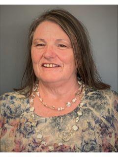 Diane Cooper of CENTURY 21 Affiliated