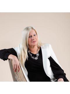 Annette Wilcox of CENTURY 21 Wilcox & Associates photo