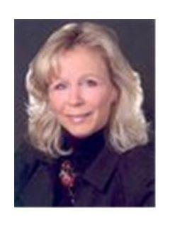 Lynn Crull of CENTURY 21 Town & Country