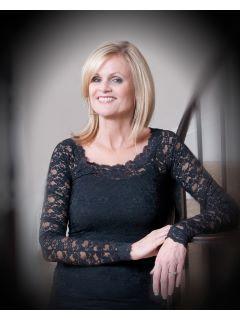 Diane Bennett of CENTURY 21 Award