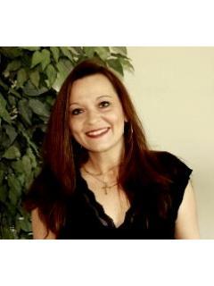 Stacie Varela of CENTURY 21 Pinnacle