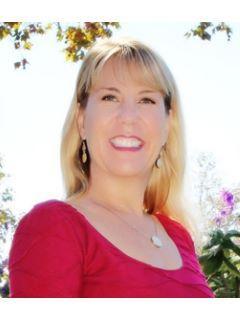 Nancy Beck of CENTURY 21 Award