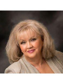 Brenda McCracken of CENTURY 21 Abbot Realty & Auction