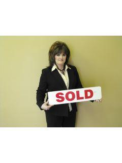 Linda Hill of CENTURY 21 Commonwealth Real Estate