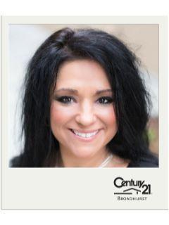 Natalie Rakoci of CENTURY 21 Broadhurst