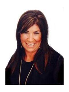 Shelly Calderon of CENTURY 21 Award