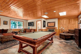 "The 5 Best ""Man Caves"" For Watching Football"