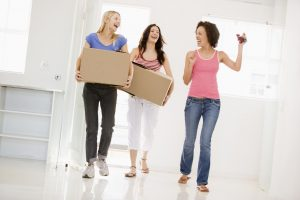 Moving Advice You Should NOT Take From People in Stock Photos image 6